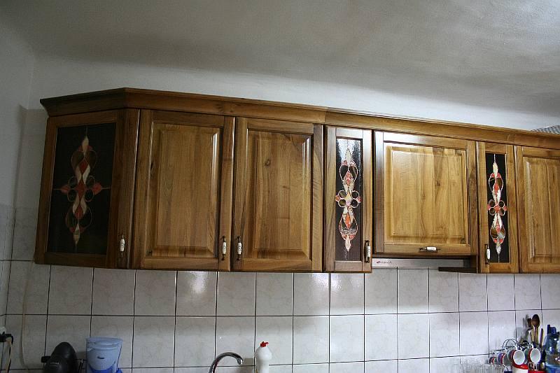 vitralii la usile mobila de bucatarie