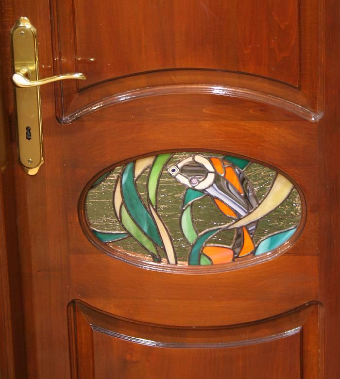 detaliu-usa-tamplarie-din-lemn-masiv-si-vitraliu-casa-mihart